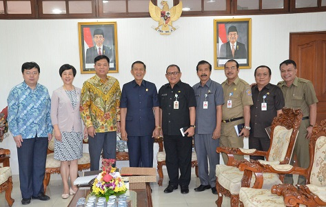 Bali Governor welcomed China's Consul General for Bali visits on Wednesday. balipicturenews.com