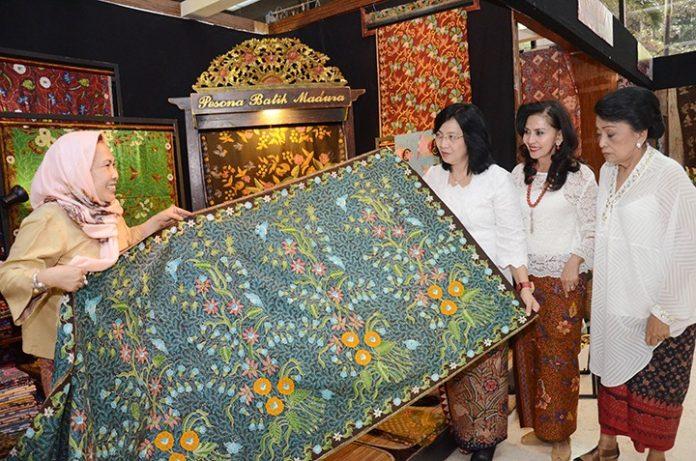 Indonesian Batik. Balipicturenews.com