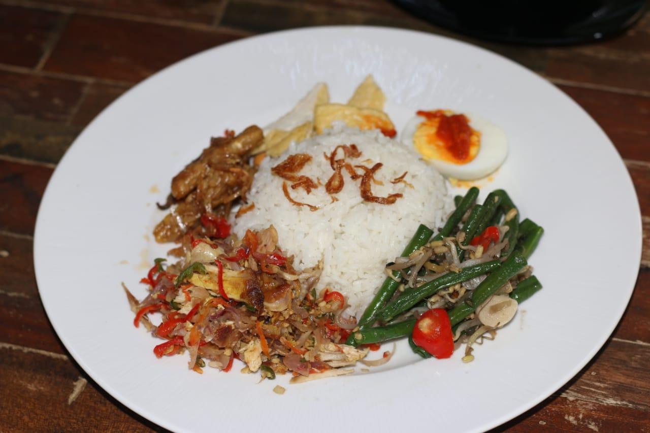 Nasi Campur. Balipicturenews.com