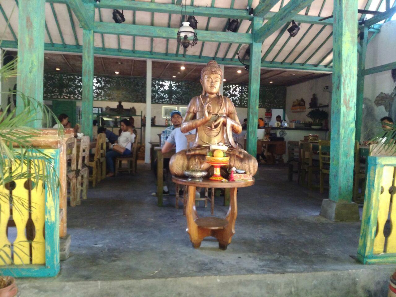 The nasi campur. Balipicturenews.com
