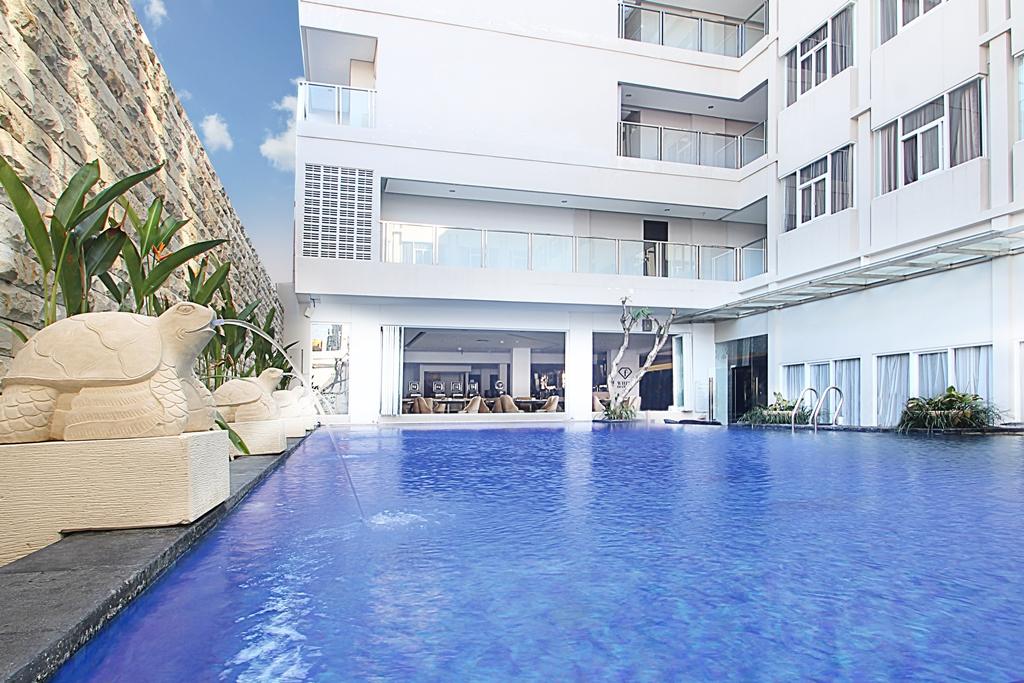 Fashion Hotel Legian Pool. balipicturenews.com