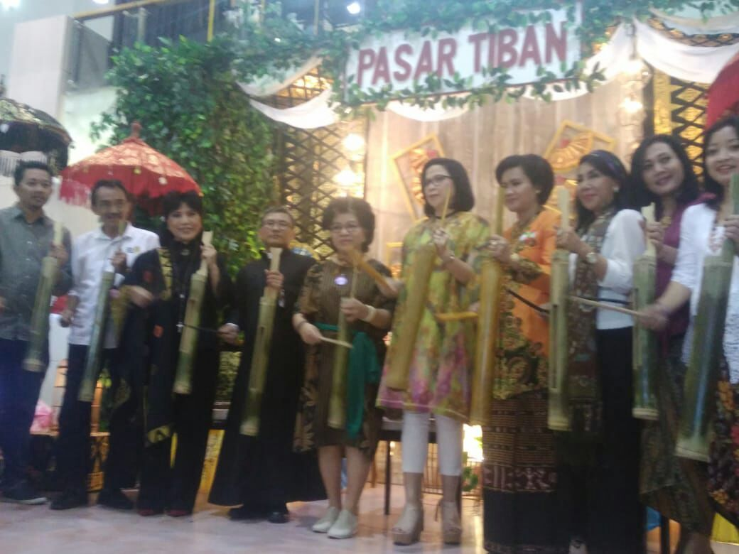 The opening of Pasar Tiban by Anne Avantie at Mall Bali Galeria.