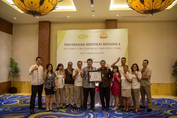 Sens & Spa + Conference Ubud Town Center's managements after receiveng the Four-Star Certificate, on Monday.