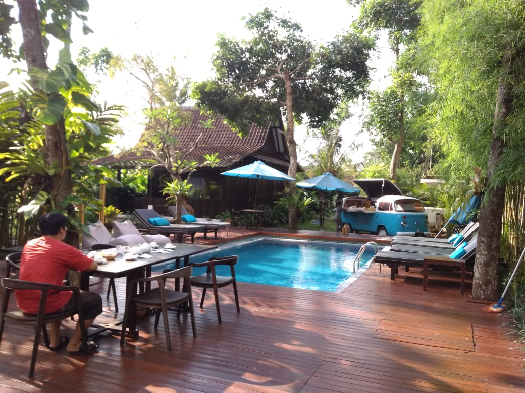 Fresh, green and relaxing atmosphere at Canvas Escape Ubud villa.