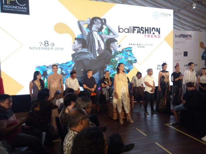 Bali Fashion Trend 2019.