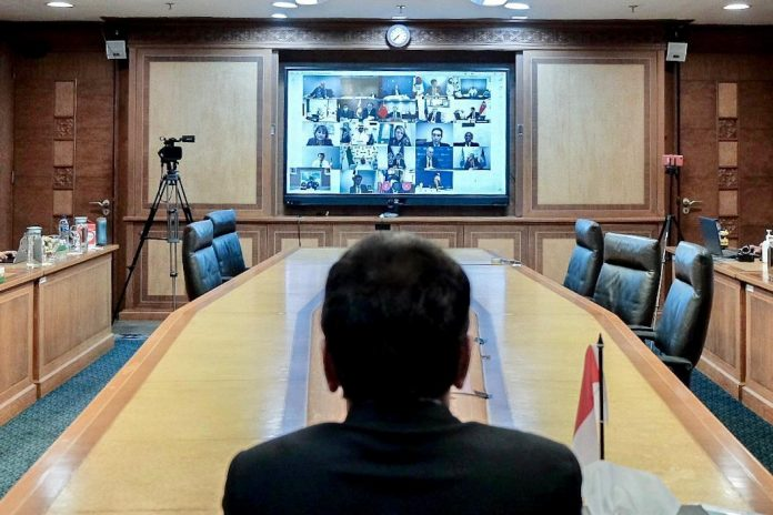 Indonesia Toursim Minister Wishnutama Kusubandio follows The Extraordinary G20 Tourism Ministers Virtual Meeting, on Friday. (kemenparekraf)