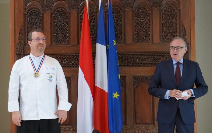 Chris Salans and Ambassador Chambard.