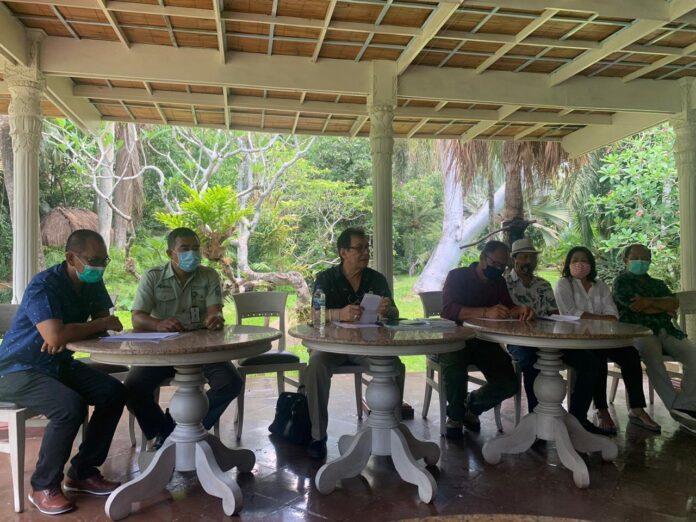 Press conference held by PKBSI at Bali Bird Park, Friday.