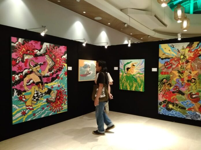 7 Miracle Painting and Sculpture Exhibition at Seminyak Village Mall. (bpn)