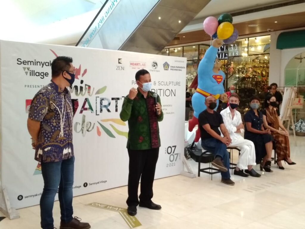 Head of Bali Tourism Office Putu Astwa speaking at the opening of 7 Miracle Painting and Sculpture Exhibition. (bpn)
